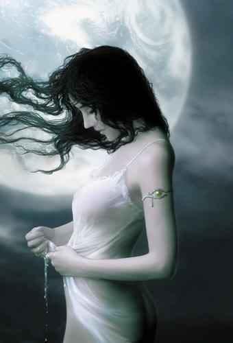 Moon_Woman_2